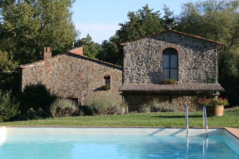 Swimming pool Location House 106425 Arezzo