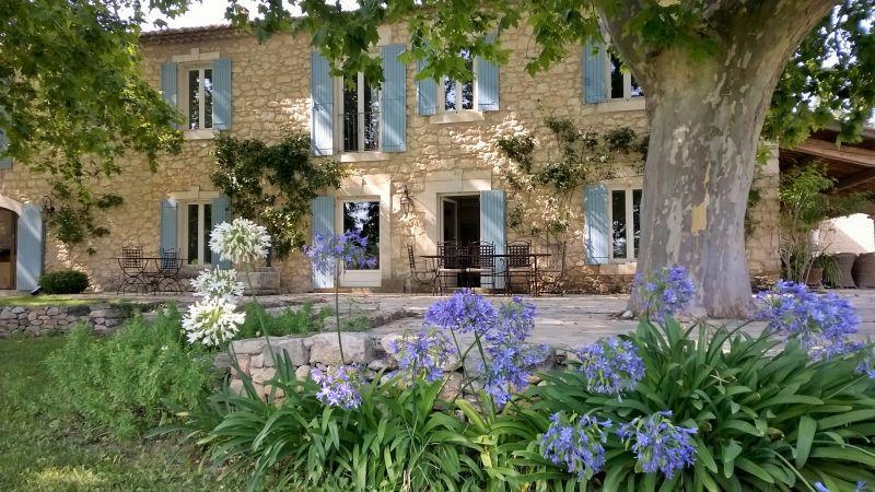 Outside view Location House 106704 Isle sur la Sorgue