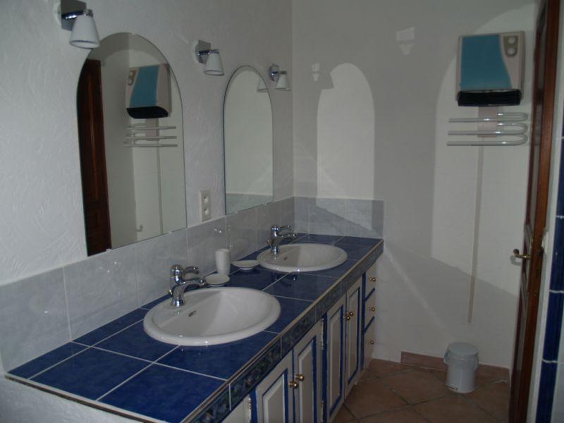 bathroom 1 Location House 106704 Isle sur la Sorgue