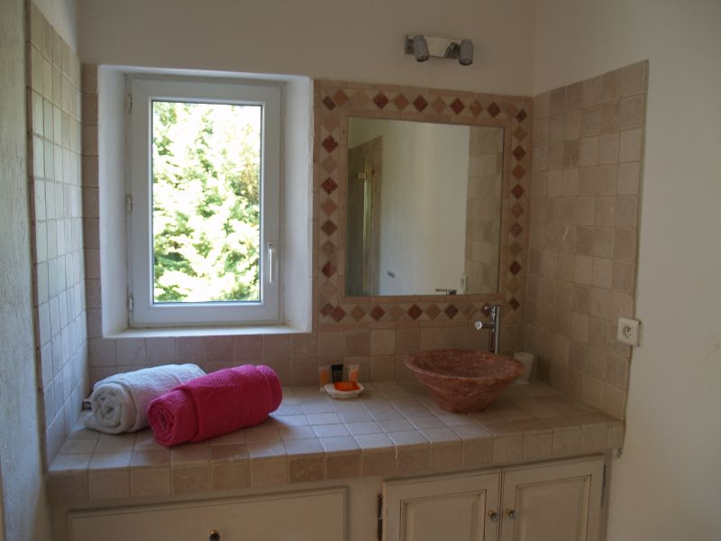 bathroom 5 Location House 106704 Isle sur la Sorgue