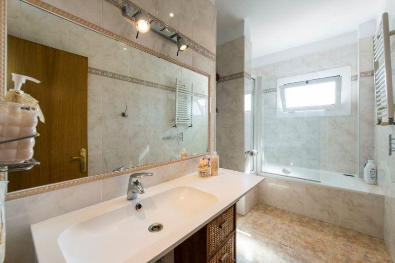 bathroom Location Apartment 117575
