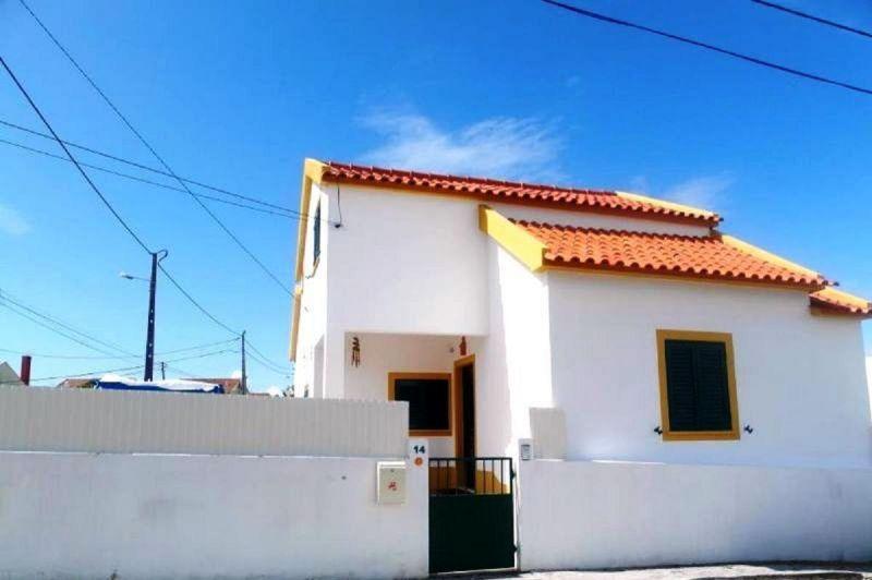 Outside view Location Villa 65732 Lisbon