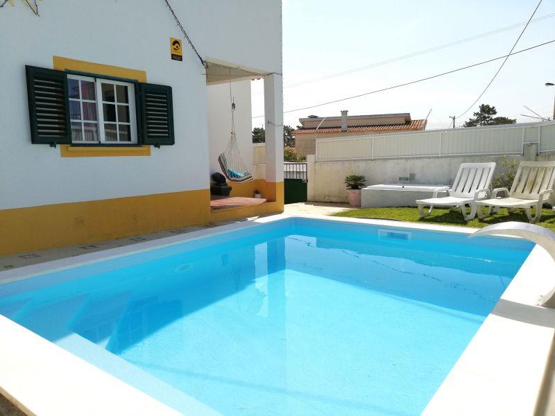 View from terrace Location Villa 65732 Lisbon