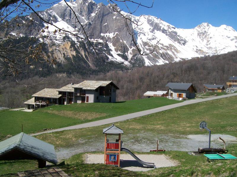 Outside view Location Self-catering property 68664 Saint Jean de Maurienne