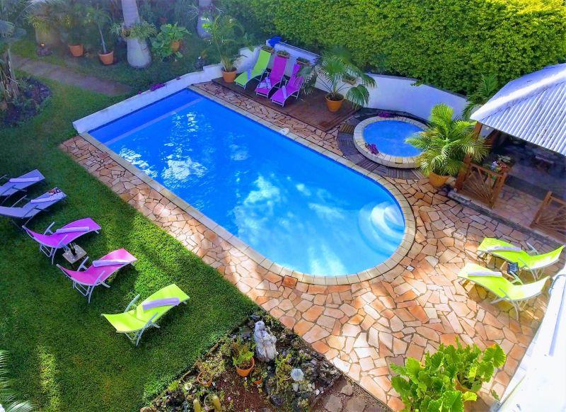 Swimming pool Location Villa 73361 L'Entre Deux