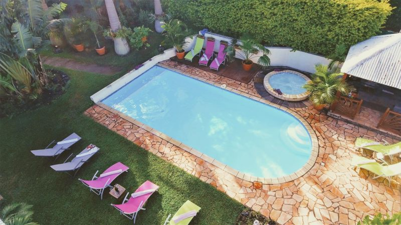 Swimming pool Location Villa 73361 L'Entre Deux