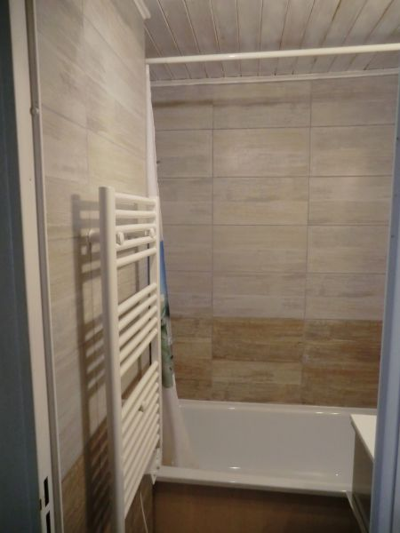 bathroom 2 Location Apartment 81632 Risoul 1850