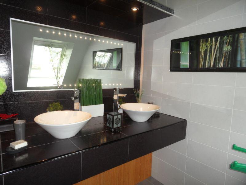 bathroom 1 Location Villa 82006 Roscoff