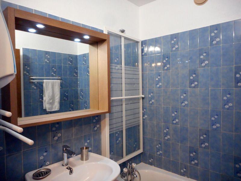 bathroom Location Apartment 97968 Montgenevre