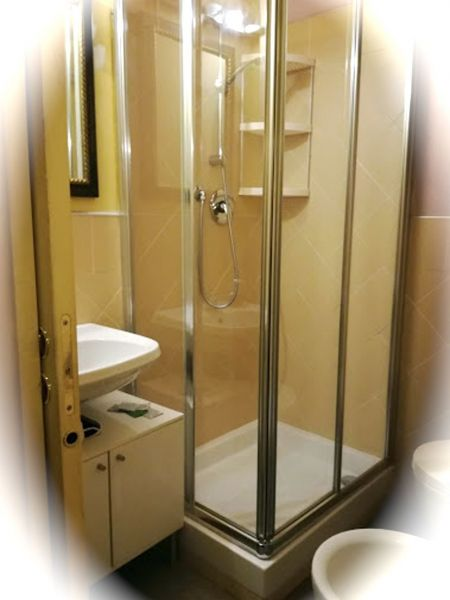 Washing facilities Location Apartment 117432 Florence