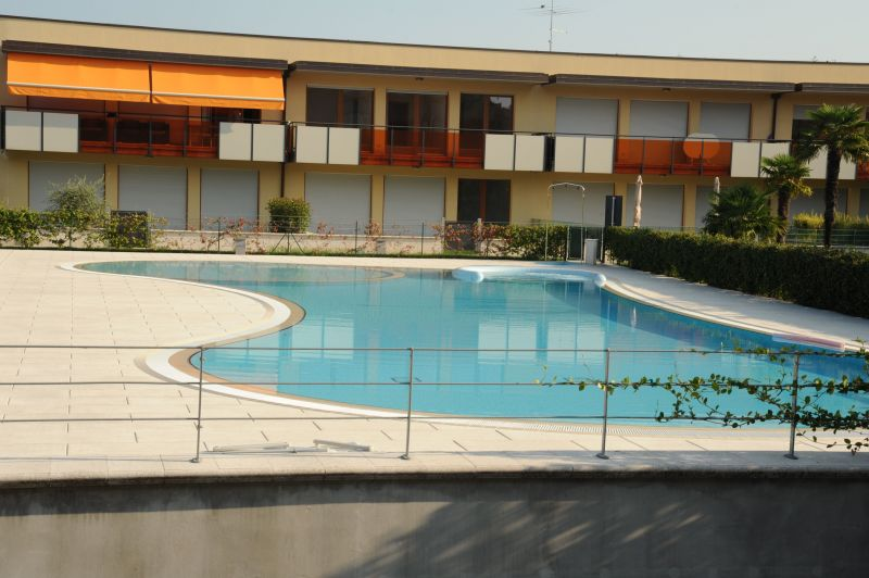 Swimming pool Location Apartment 66203 Sirmione