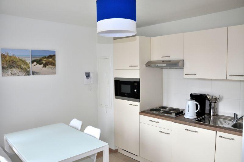 Open-plan kitchen Location Studio apartment 88543 Bray-Dunes