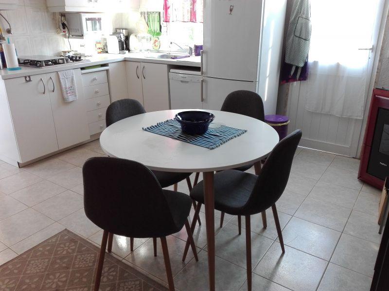 Open-plan kitchen Location Studio apartment 91278 Lisbon