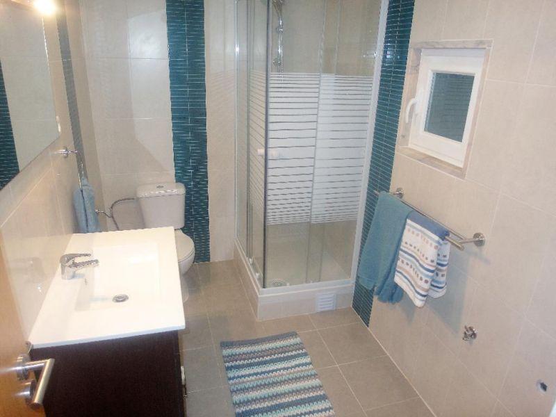 bathroom Location Studio apartment 91278 Lisbon