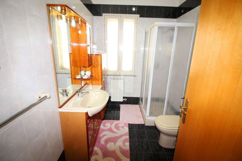 bathroom Location Villa 113423 Syracuse