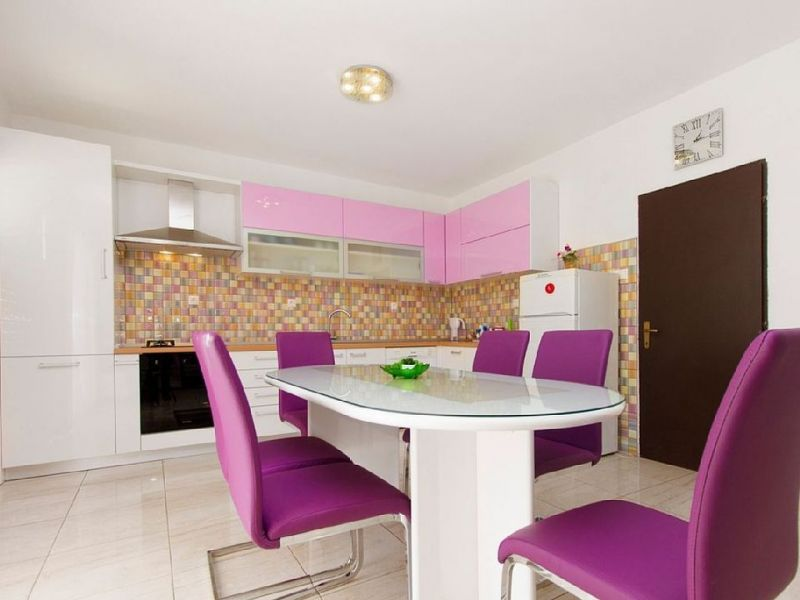 Open-plan kitchen 1 Location House 114407 Kastel Novi