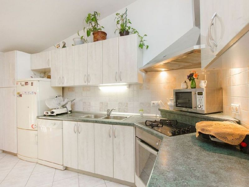 Open-plan kitchen 2 Location House 114407 Kastel Novi