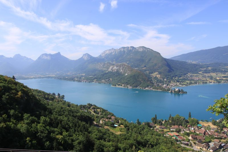 Surroundings Location Self-catering property 101879 Annecy