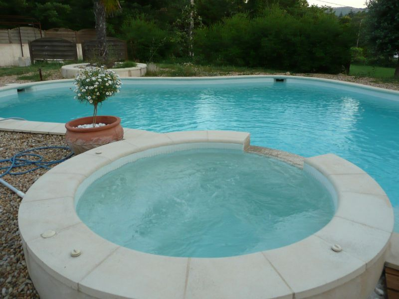 Swimming pool Location Villa 79351 Saint Maximin la Sainte Baume