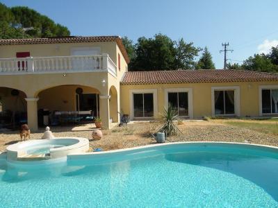 Swimming pool Location Villa 79351 Saint Maximin la Sainte Baume