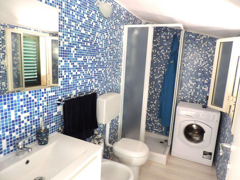 bathroom 2 Location Apartment 103248 Marina di Ragusa