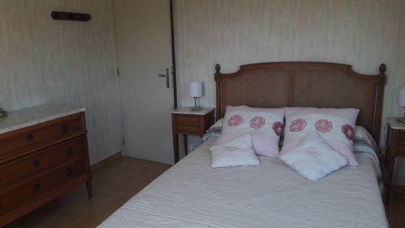 bedroom 2 Location Villa 115101 Le Pradet