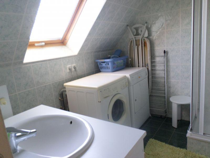 Washing facilities Location Apartment 90722 Locmaria-Plouzané