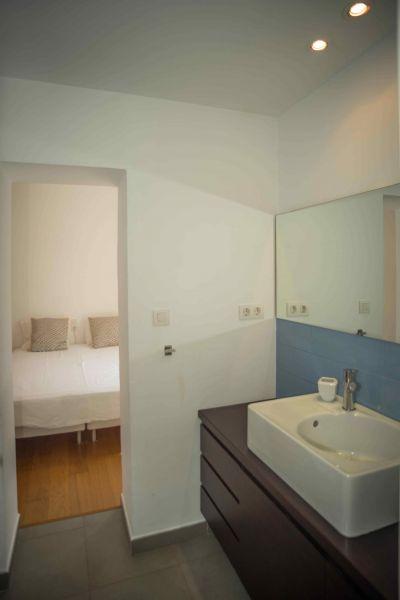 bedroom 2 Location Villa 95047 Barcelona