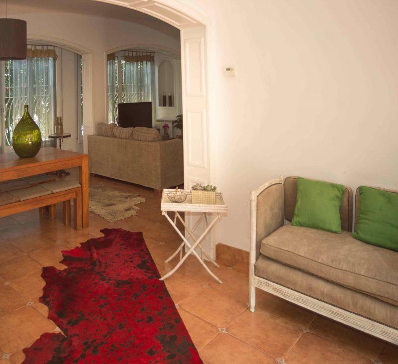 Dining room Location Villa 95047 Barcelona
