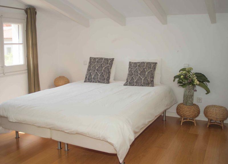 bedroom 5 Location Villa 95047 Barcelona