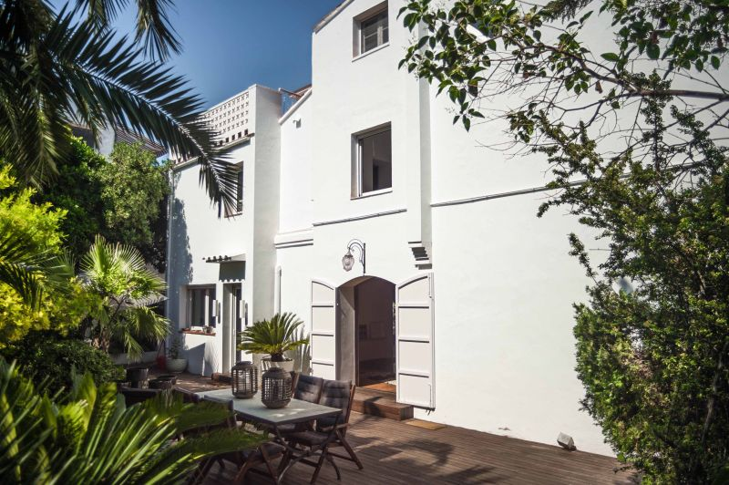 Outside view Location Villa 95047 Barcelona