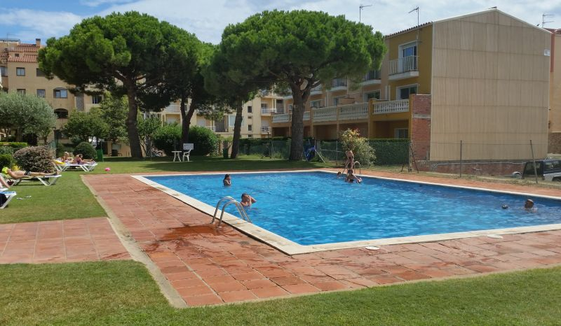 Swimming pool Location Apartment 112044 Empuriabrava
