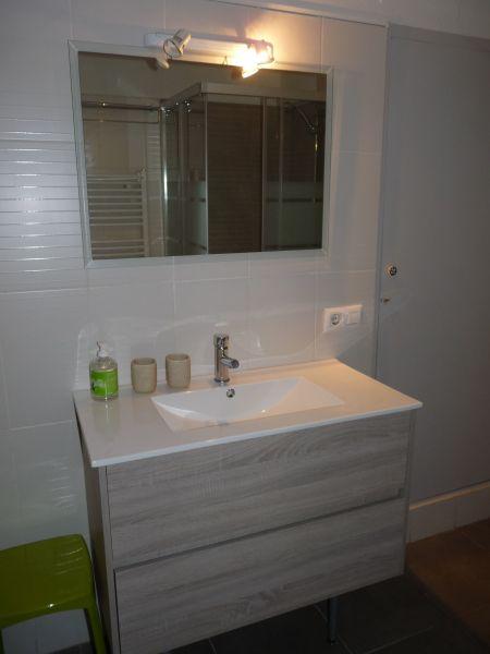 Washing facilities Location Apartment 63973 Rosas