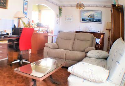 Sitting room Location Apartment 76122 Royan