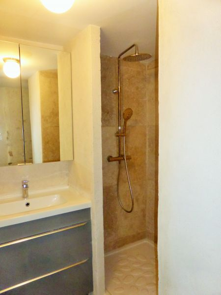 Washing facilities 1 Location House 110810 Vaison la Romaine