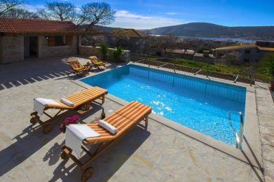 Swimming pool Location House 112560 Trogir