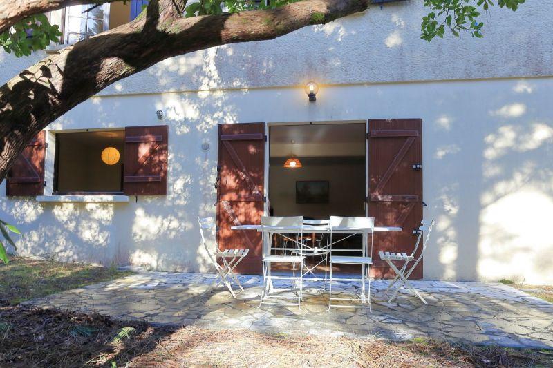 Terrace Location Apartment 114378 Cap Ferret