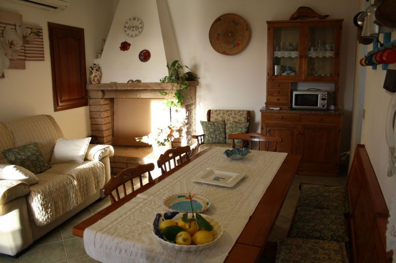 Dining room Location Villa 65699 Alghero