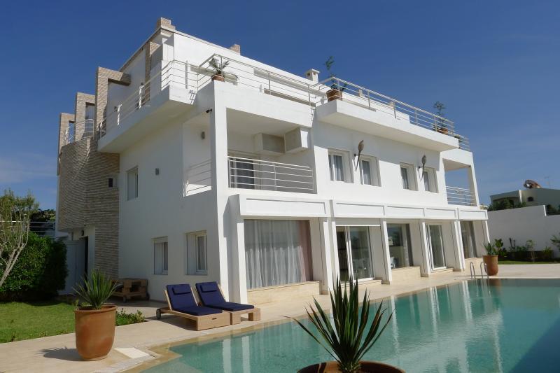 Outside view Location Villa 76643 Agadir