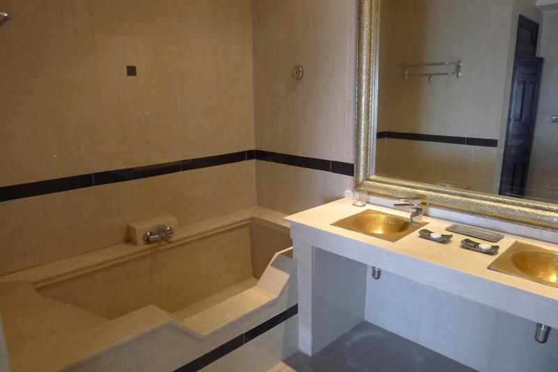 bathroom 1 Location Villa 76643 Agadir