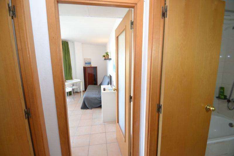 Corridor Location Apartment 93569 Salou