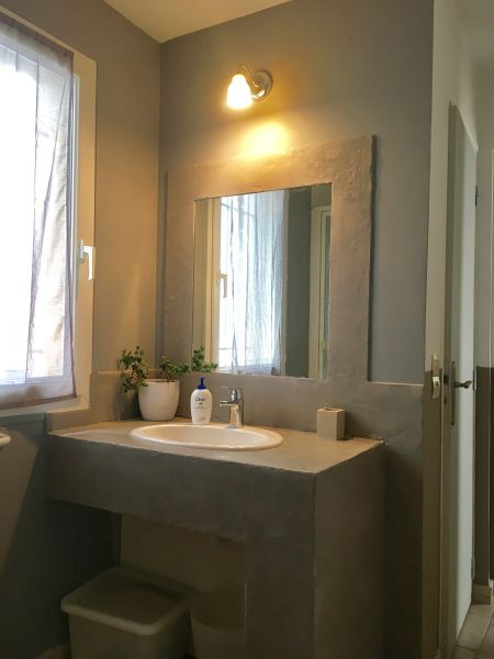 Washing facilities Location Apartment 111513 Aix en Provence