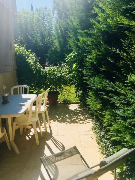 Terrace Location Apartment 111513 Aix en Provence