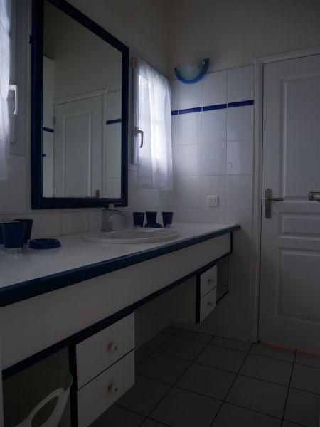 Washing facilities 2 Location Villa 116772 Saint Francois