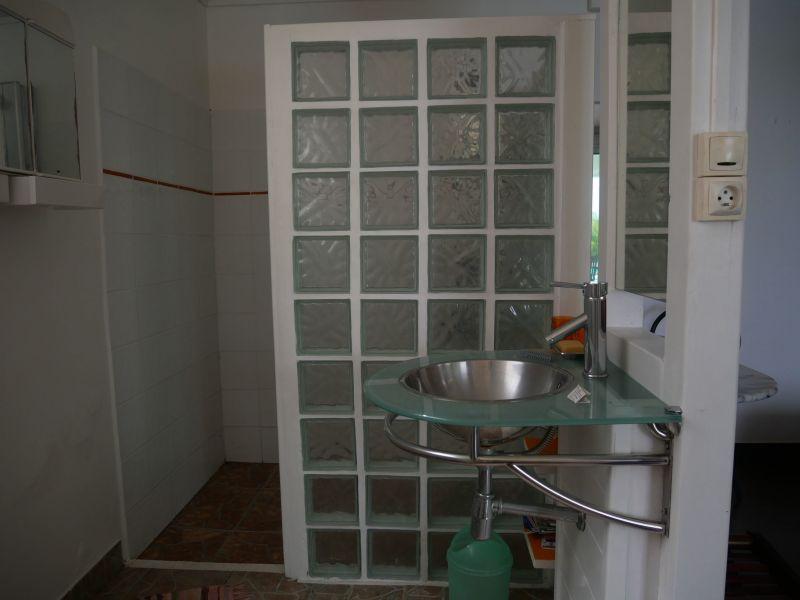Washing facilities 3 Location Villa 116772 Saint Francois