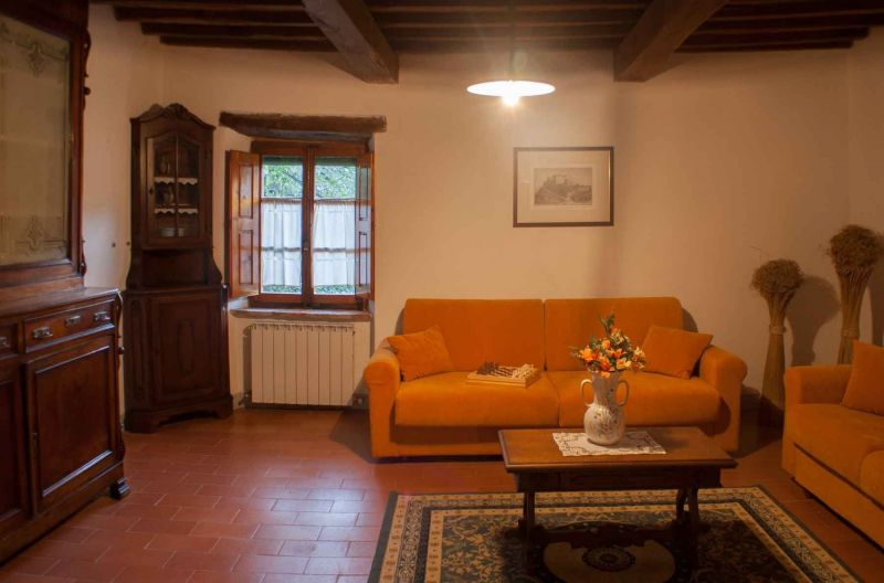 Sitting room 2 Location House 117228 Arezzo