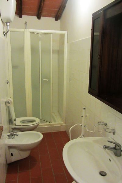 bathroom 2 Location House 117228 Arezzo