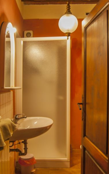 bathroom 3 Location House 117228 Arezzo