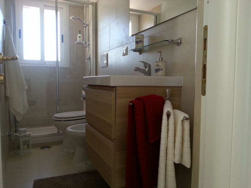 bathroom Location Apartment 91428 Rome