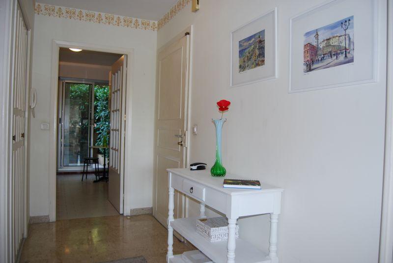 Corridor Location Apartment 92095 Nice